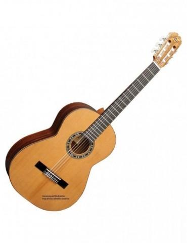 ADMIRA MARIA guitarra clasica  Tapa cedro macizo. Aros y fondo palosa