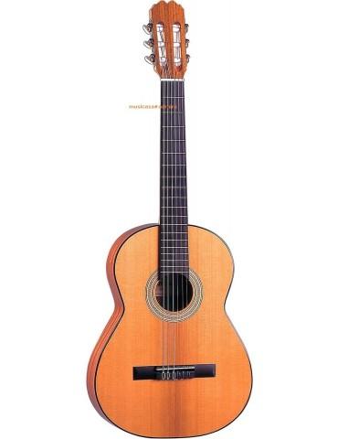 ADMIRA 630 Guitarra clasica 7/8. Tapa cedro, aros y fondo sapelli